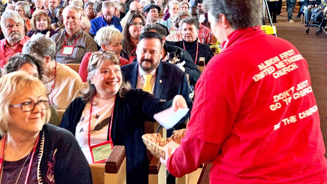 Abstimmung in Michigan, ob der Vorschlag zur Trennung an die Generalkonferenz überwiesen werden soll