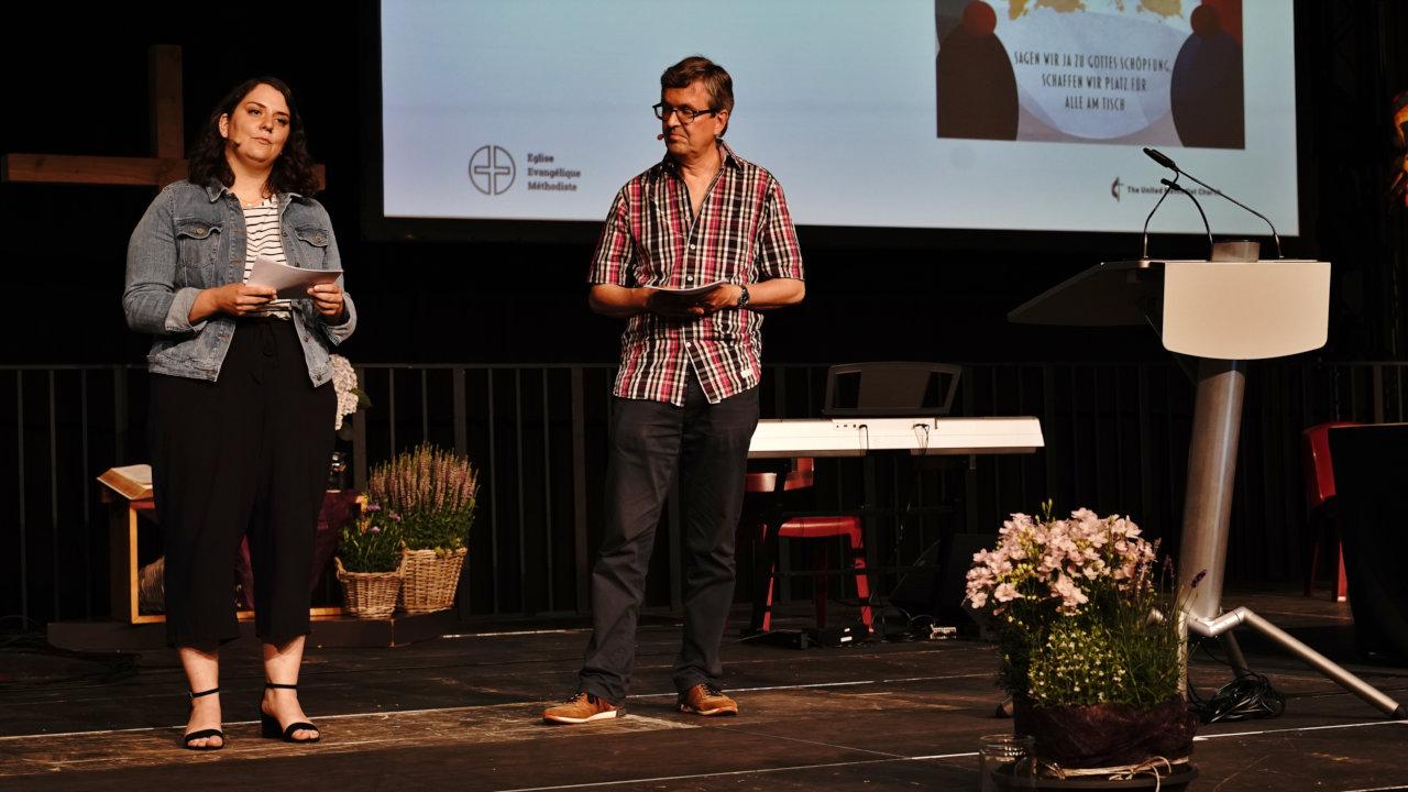 Pfarrerin Sarah Bach und Pfarrer Ernst Hug