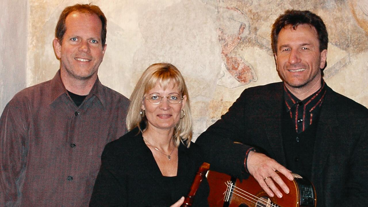 «Bilder der Passion», ein Konzert mit David Plüss, Bettina Alms und ClemsnBittlinger
