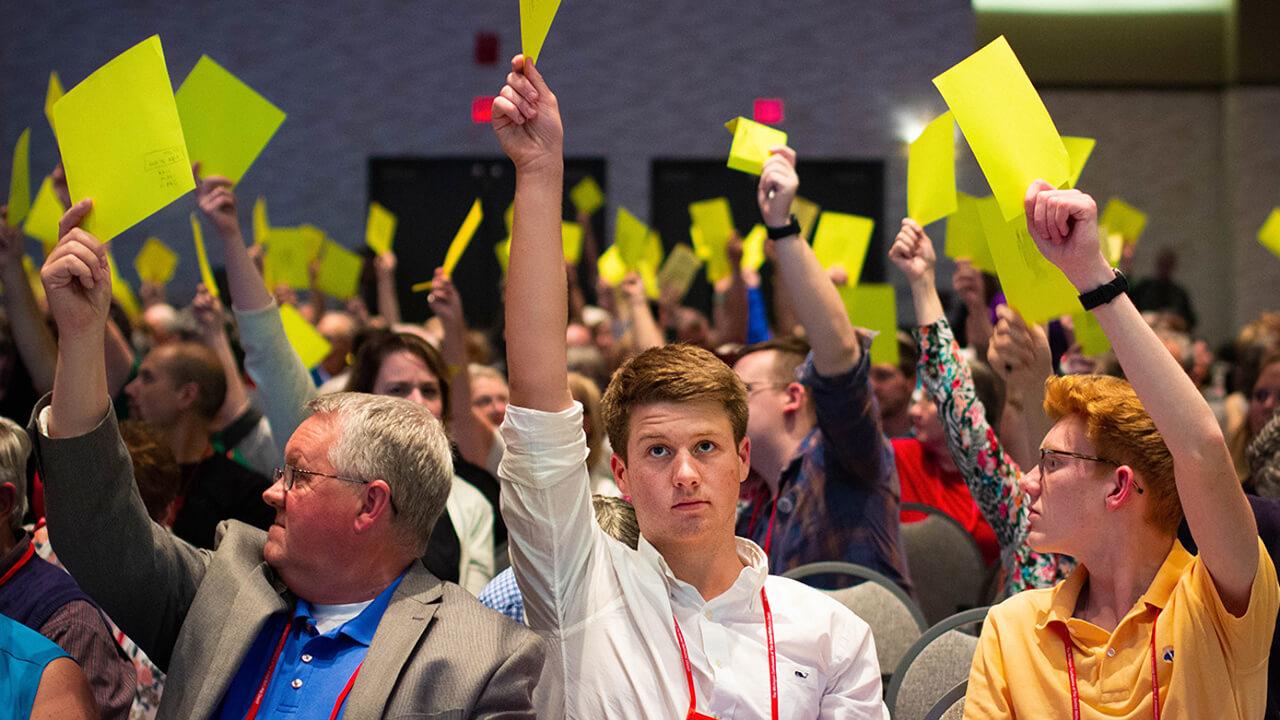 In Michigan können Methodist/innen abstimmen, ob der Gesetzesentwurf zur Trennung der Methodistenkirche der Generalkonferenz übermittelt werden soll.