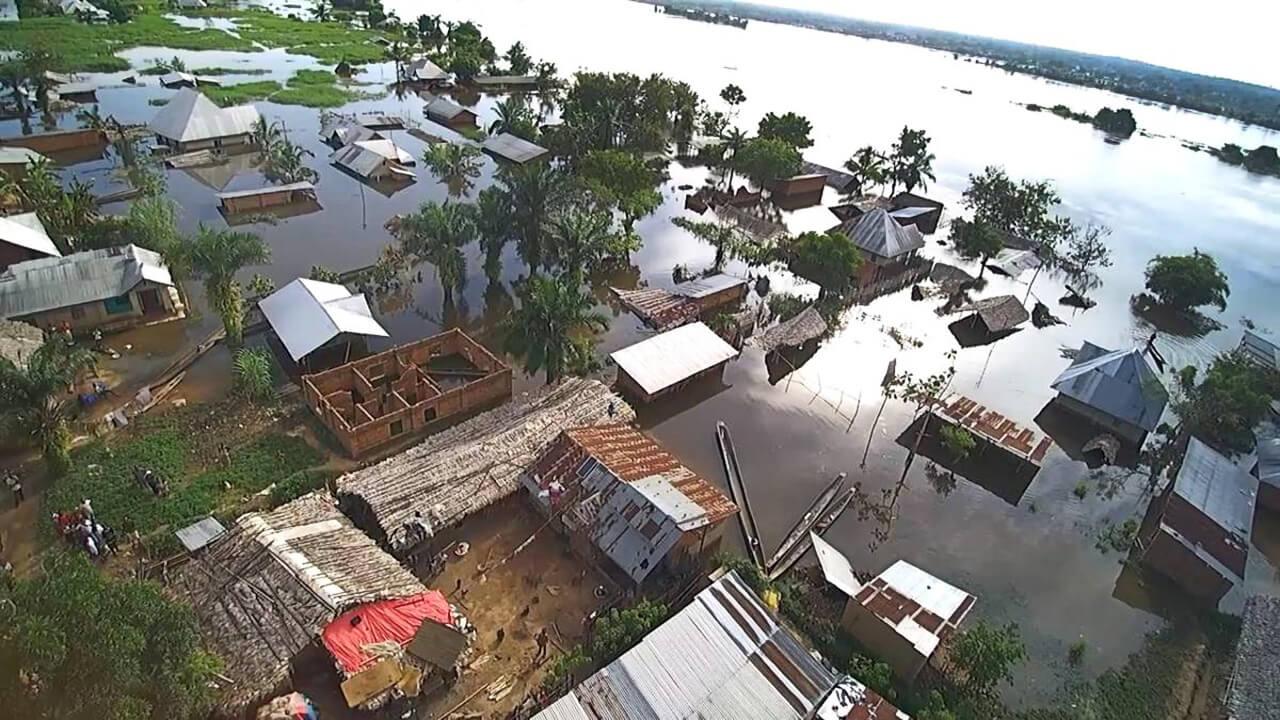 Überflutete Häuser in Kindu im Osten der DR Kongo
