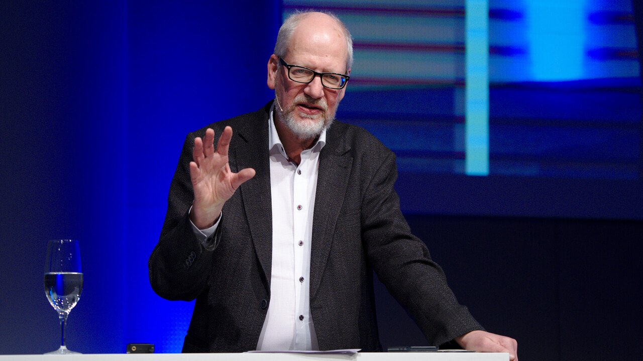 Professor Dr. Jörg Barthel